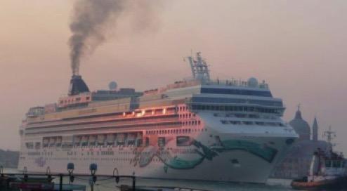 fumo nave da crociera 9 2011